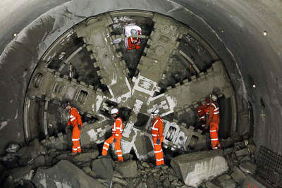 Boring machines Elon Musk started digging the tunnel