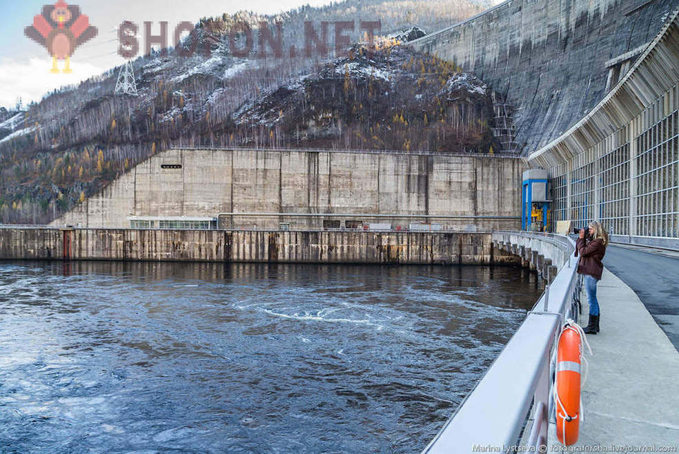 The biggest hydroelectric power station Russia